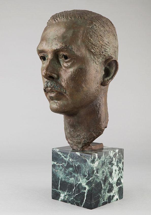 """Arno Breker (1900-1991), """"Portrait d'Hans Gerling"""", bronze à patine marron clair vert nuancé, fonte Bischoff, Haut. totale 51 cm, sculptures - galerie Tourbillon, Paris"""