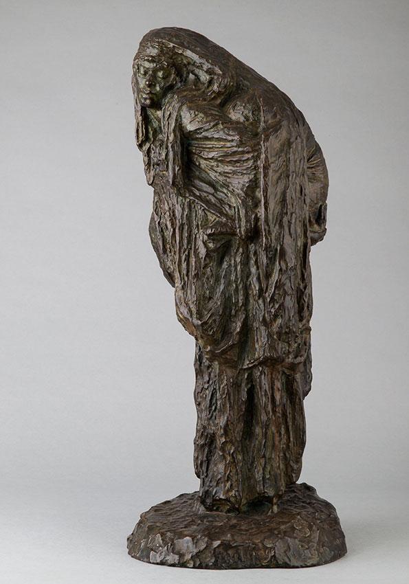 """Céline Lepage (1882-1928), """"Bédouine à l'enfant"""", bronze à patine brun vert, fonte Rudier, haut. 56 cm, sculptures - galerie Tourbillon, Paris"""
