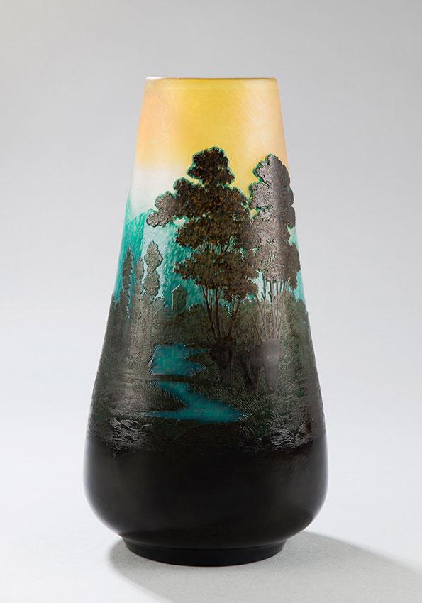 Ets. Gallé, Vase à décor de Paysage impressionniste en intercalaire, Haut. 33,5 cm. sculptures, verreries - galerie Tourbillon, Paris