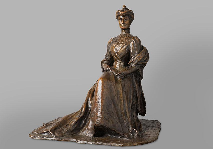 """Auguste Seysse (1862-1946), """"Femme assise à l'éventail"""", bronze à patine brun nuancé, haut. 49,5 cm, sculptures - galerie Tourbillon, Paris"""