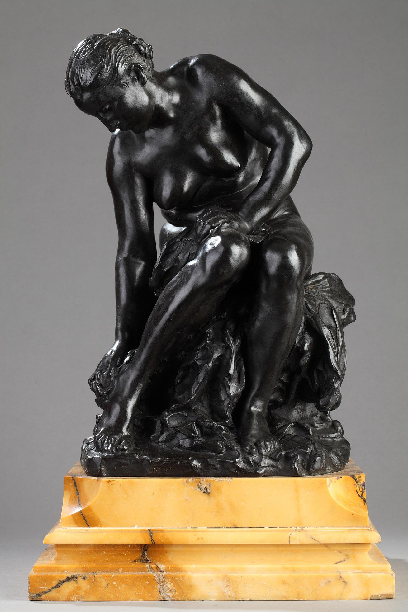 """Jules Dalou (1838-1902), """"Baigneuse"""" ou """"Suzanne"""", bronze à patine brune, fonte Hébrard, haut. totale 43,5 cm, sculptures - galerie Tourbillon, Paris"""