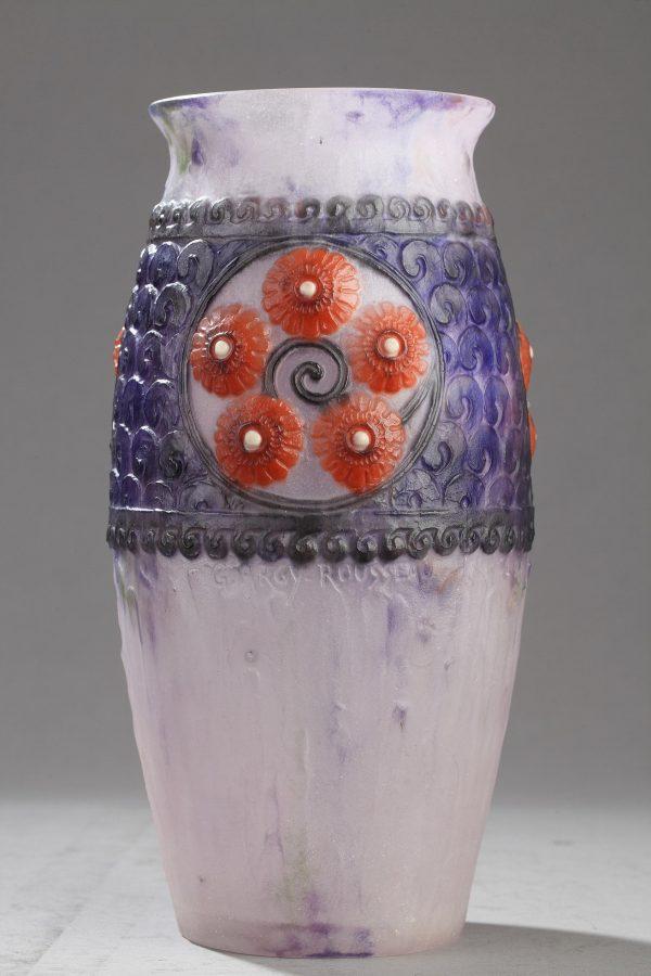 """Gabriel Argy-Rousseau (1885-1953), vase """"Médaillons fleuris"""" en pâte de verre, haut. 25,5 cm, galerie Tourbillon, Paris"""
