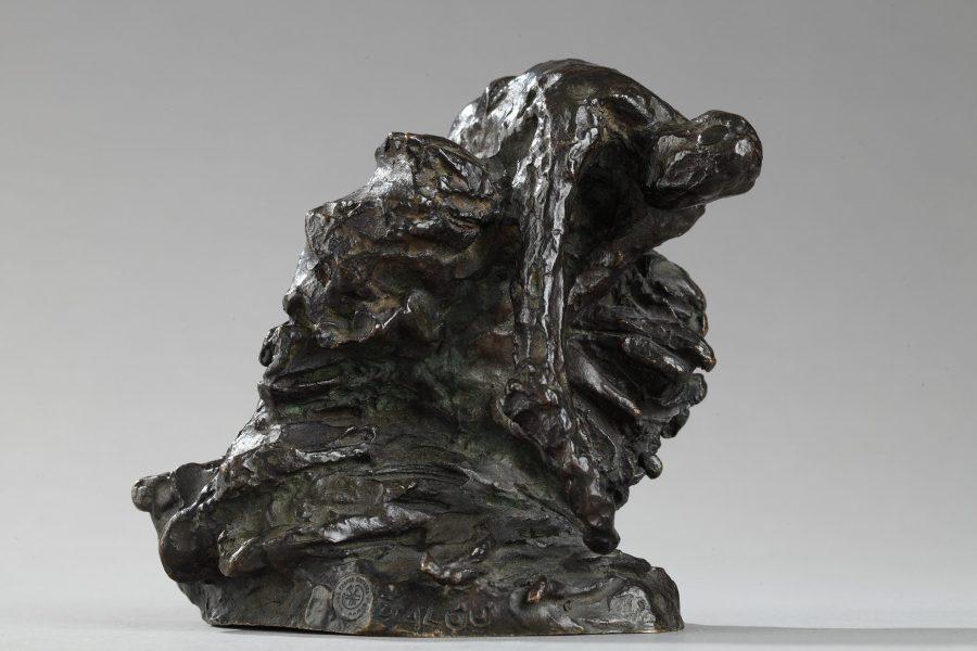 """Jules Dalou (1838-1902), """"Le Botteleur"""", bronze à patine brun vert nuancé, fonte Susse, haut. 9,5 cm, sculptures - galerie Tourbillon, Paris"""