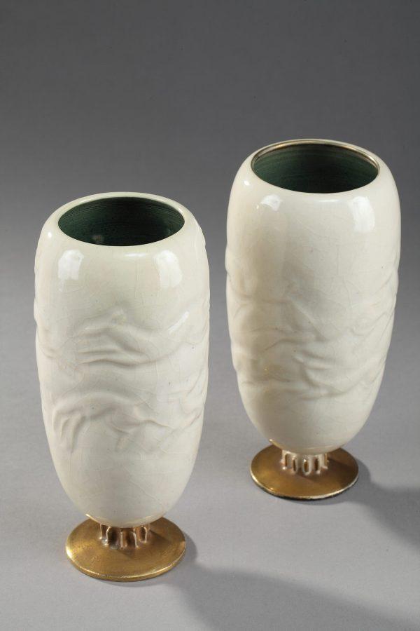 Jean Mayodon (1893-1967), Paire de vases à décor de Cervidés, Haut. 19 cm. sculptures, verreries - galerie Tourbillon, Paris