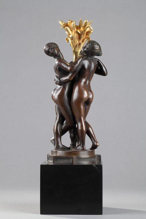 """Antoine-Louis Barye (1796-1875), """"Les Grâces"""", sculpture en bronze à patine marron foncé nuancé, fonte de la fin de l'atelier Barye, socle en marbre noir fin de Belgique, haut. totale 31 cm, sculptures - galerie Tourbillon, Paris"""