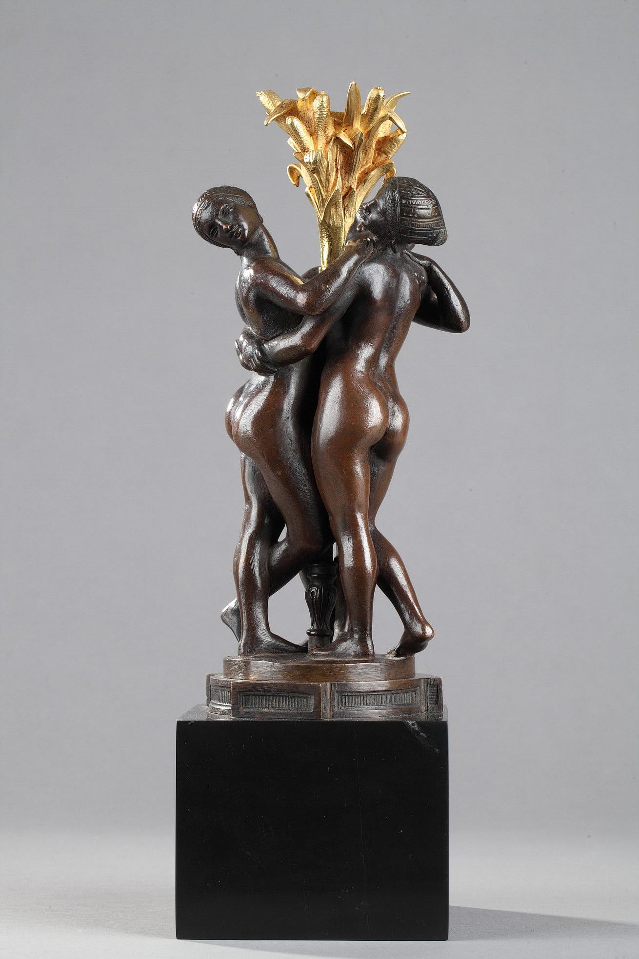 """Antoine-Louis Barye (1796-1875), """"Les Grâces"""", bronze à patine marron foncé nuancé, fonte de la fin de l'atelier Barye, socle en marbre noir fin de Belgique, haut. totale 31 cm, sculptures - galerie Tourbillon, Paris"""