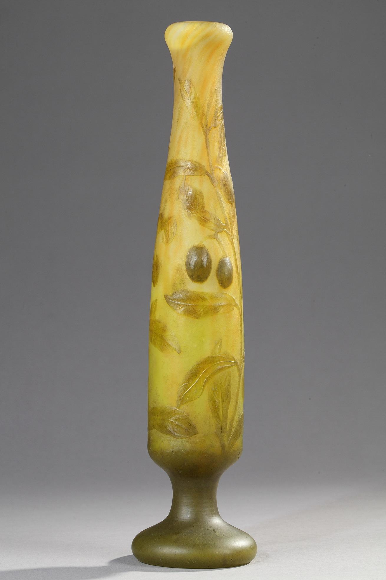 Daum, Vase à décor d'Oliviers, Haut. 29,5 cm. sculptures, verreries - galerie Tourbillon, Paris