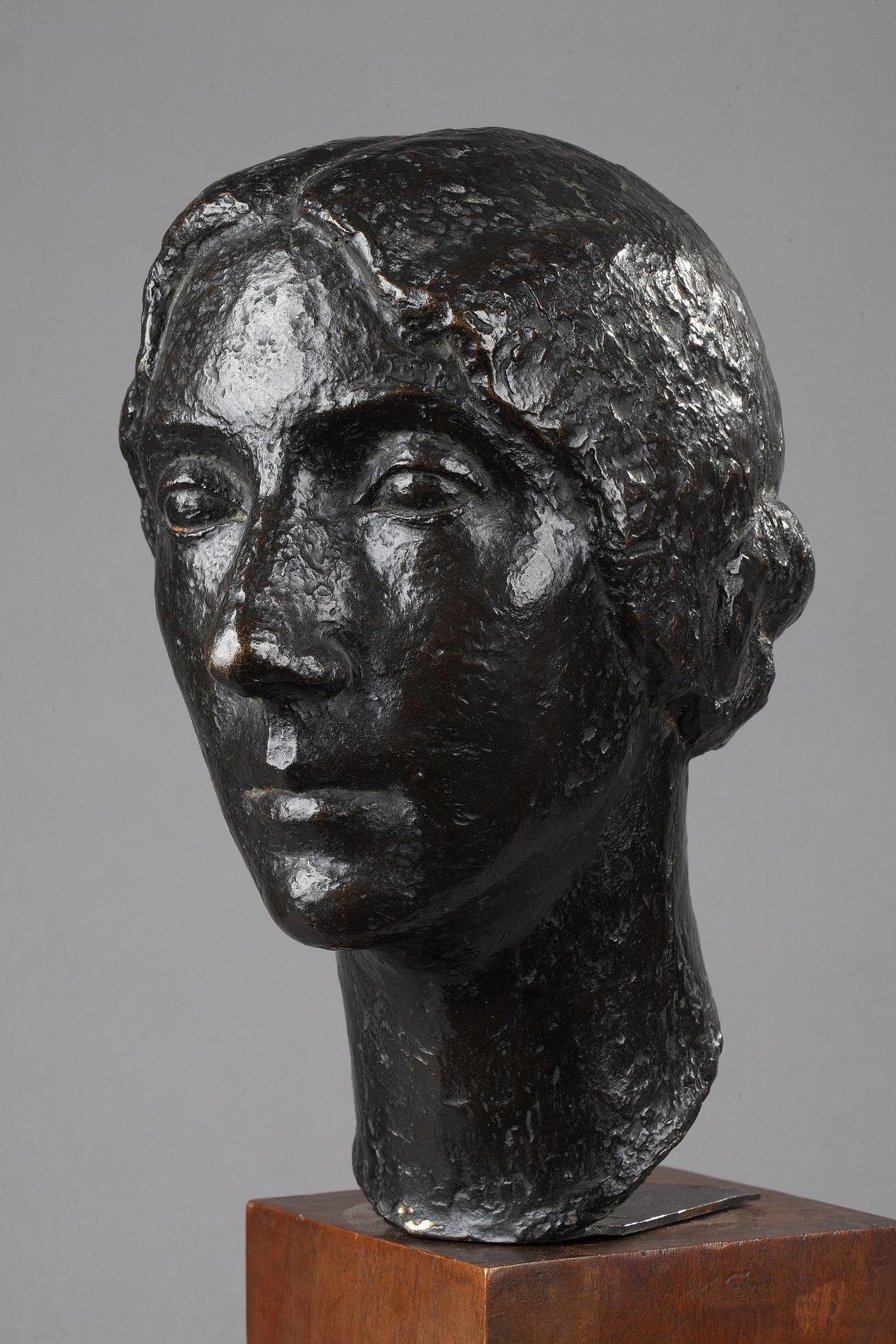 Marcel Gimond (1894-1961), Portrait de femme, bronze à patine brun foncé nuancé, socle en bois, fonte Meroni-Radice, haut. totale 49 cm, sculptures - galerie Tourbillon, Paris