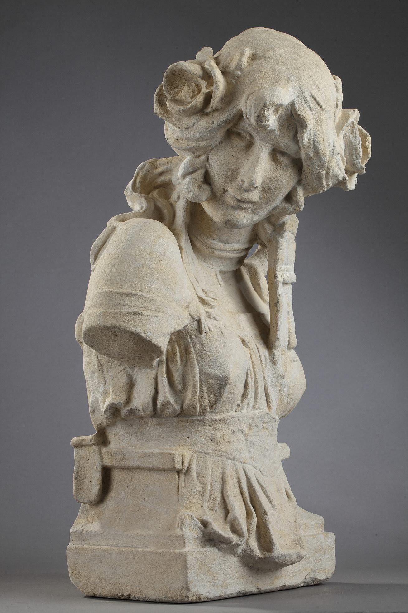 """Anonyme, """"Cléo de Mérode"""", pierre calcaire du début du XXe s., Haut. 55,5 cm. sculptures - galerie Tourbillon, Paris"""
