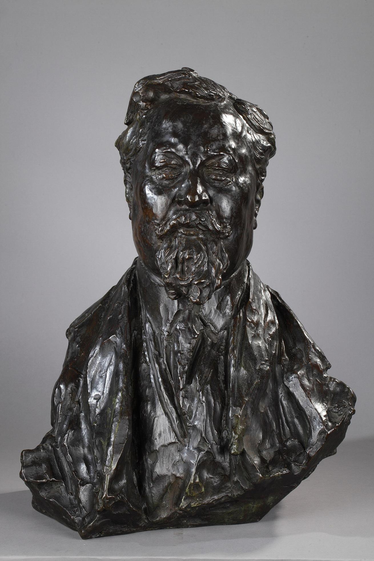"""Léon-Ernest Drivier (1878-1951), """"Portrait d'Albert Dubarry"""", bronze à patine brun vert foncé nuancé, fonte Montagutelli, Haut. 58 cm, sculptures - galerie Tourbillon, Paris"""