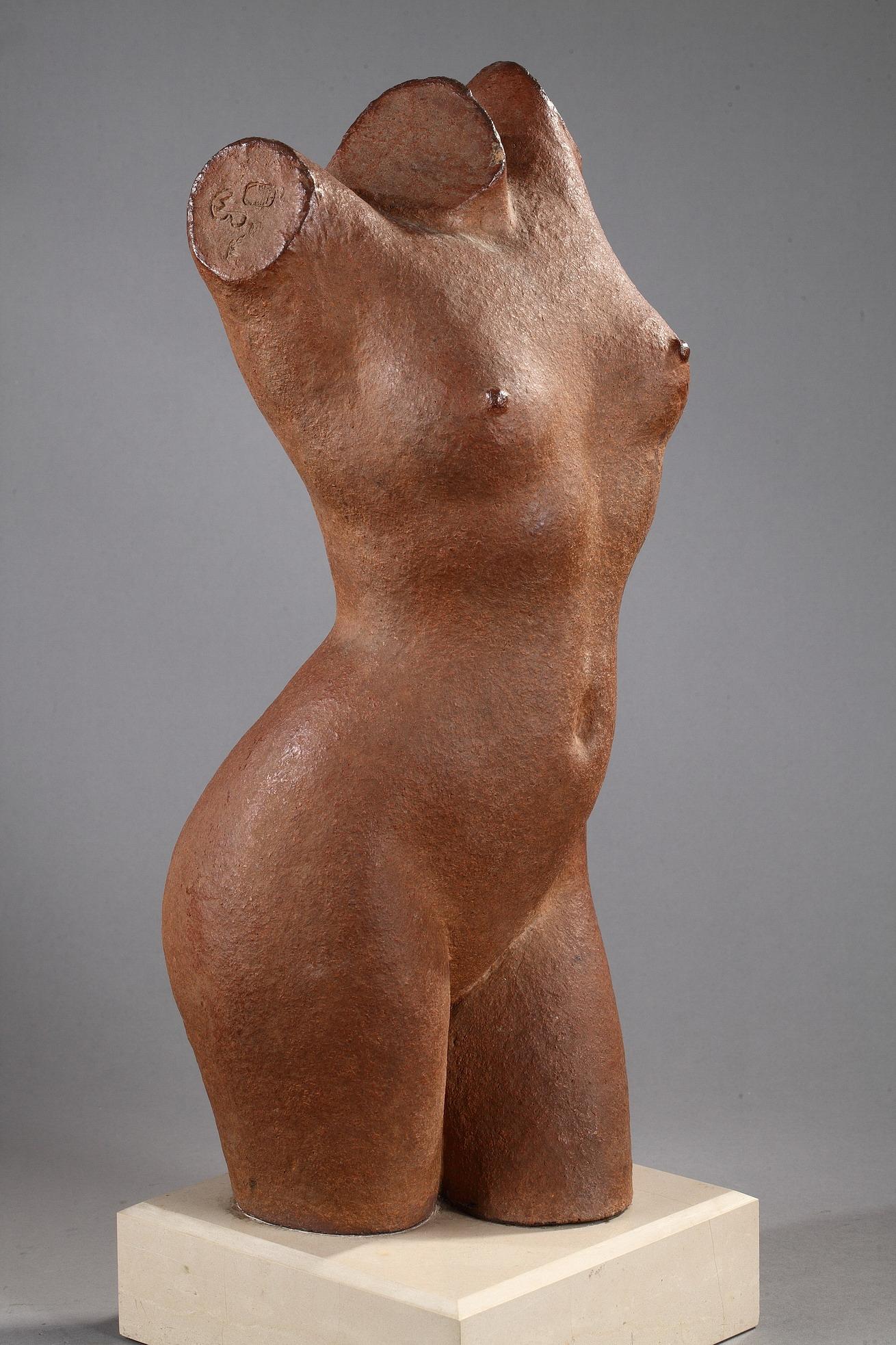 Marcel Gimond (1894-1961), Torse de Jeune Femme, grès chamotté, socle en marbre, Manufacture de Sèvres, haut. totale 54,5 cm, sculptures - galerie Tourbillon, Paris
