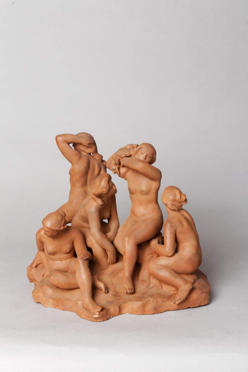 """František Kočí (fin XIXe s.-début XXe s.), """"Diane et ses Nymphes"""", terre cuite originale, haut. 25,5 cm, sculptures - galerie Tourbillon, Paris"""