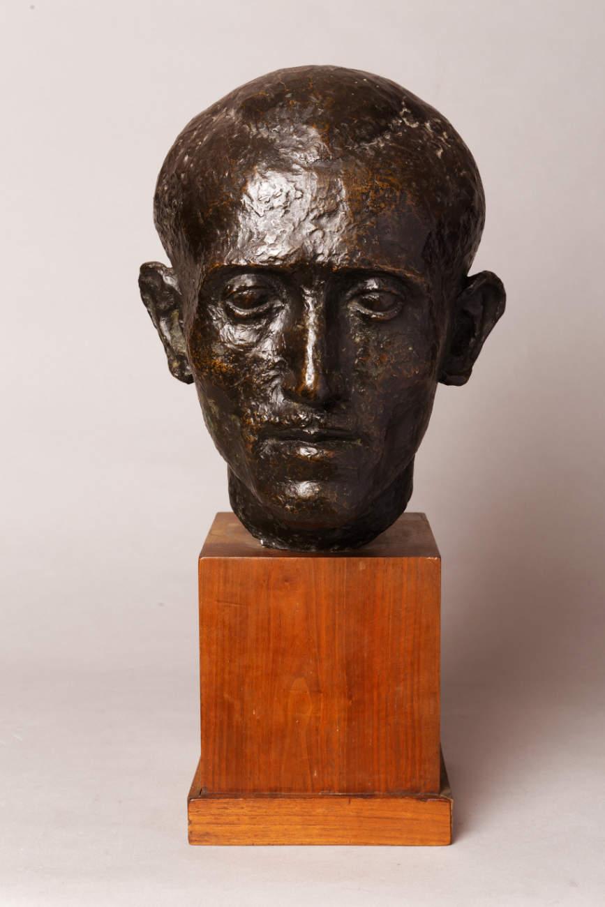 Marcel Gimond (1894-1961), Portrait d'homme, bronze à patine brun foncé nuancé, socle en bois, fonte Meroni-Radice, haut. totale 47 cm, sculptures - galerie Tourbillon, Paris
