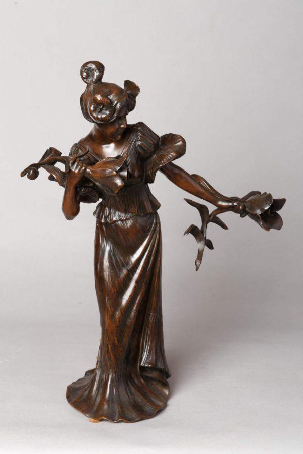 Luighi Salesio (1890-1925), Lampe Art Nouveau, bronze à patine brun nuancé, haut. 49,5 cm. sculptures - galerie Tourbillon, Paris