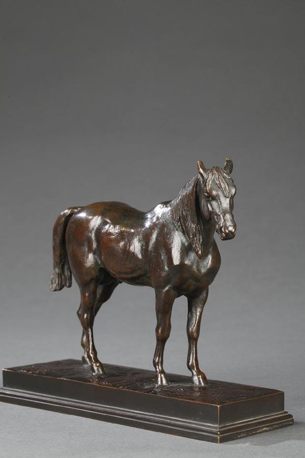 """Antoine-Louis Barye (1796-1875), """"Demi-sang tête levée"""", bronze à patine brun rouge nuancé, fonte Barbedienne, long. terrasse 17,3 cm, sculptures - galerie Tourbillon, Paris"""