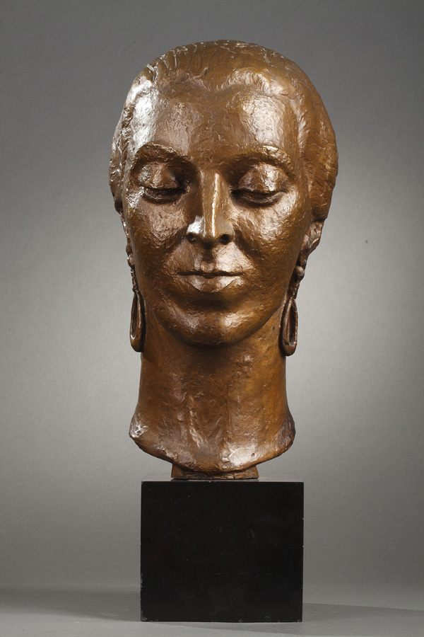 Lydia Herrick-Hodge (1886-1960), Portrait de femme espagnole, bronze à patine mordorée, socle en marbre noir fin de Belgique, haut. totale 47,5 cm, sculptures - galerie Tourbillon, Paris