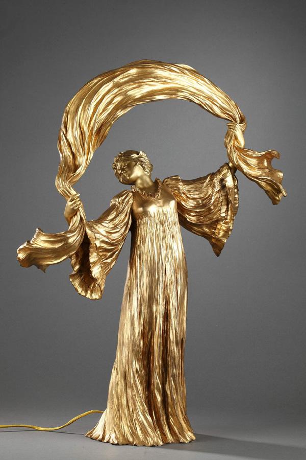 """Agathon Léonard (1841-1923), Lampe """"Danseuse à l'écharpe"""", bronze à patine dorée, fonte Susse, haut. 60 cm, sculptures - galerie Tourbillon, Paris"""