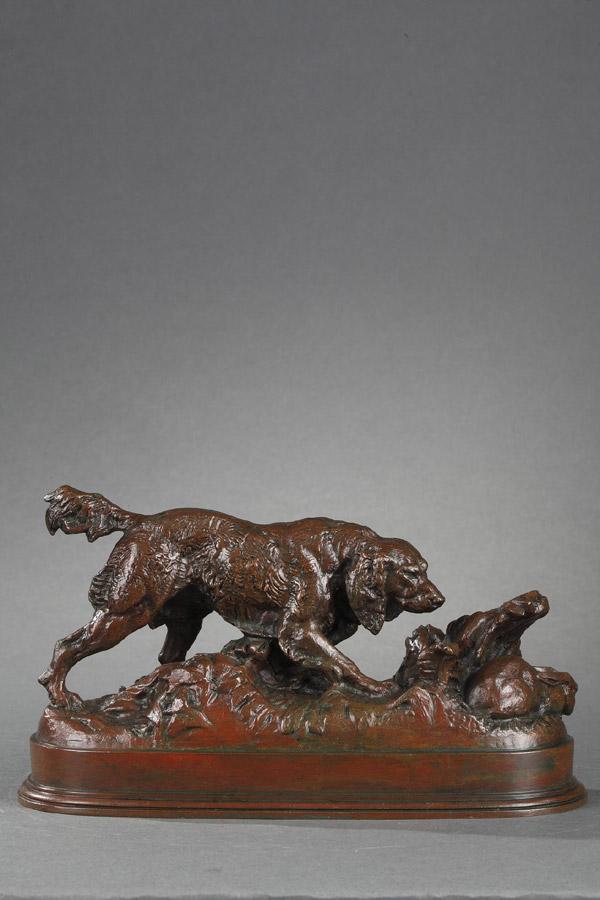 """Antoine-Louis Barye (1796-1875), """"Epagneul en arrêt sur un lapin"""", bronze à patine brun rouge, fonte Atelier Barye, long. 21,5 cm, sculptures - galerie Tourbillon, Paris"""