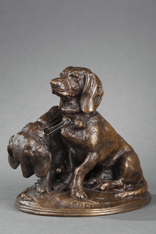"""Emmanuel Fremiet (1824-1910), """"Ravageot et Ravageode"""" avec maillons, bronze à patine marron nuancé, fonte More, haut. 14,5 cm, sculptures - galerie Tourbillon, Paris"""