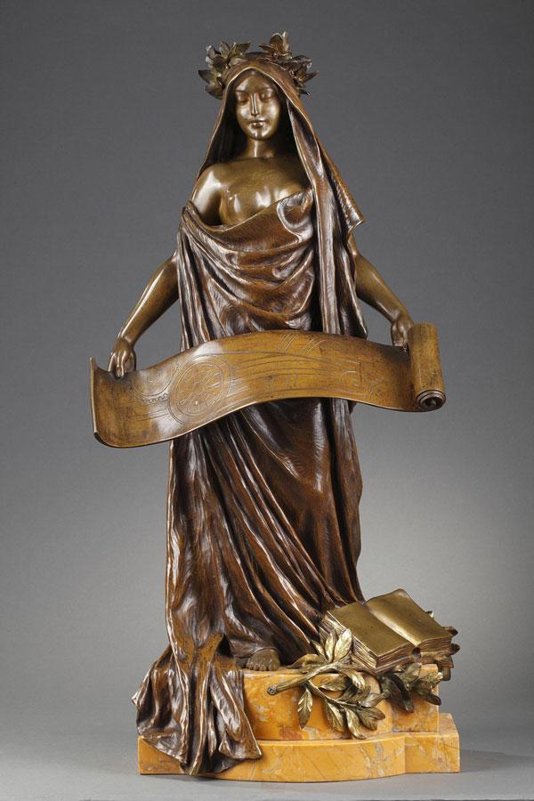 """Louis Chalon (1866-1940), """"Allégorie du Progrès"""", bronze à double patine, fonte ancienne, socle en marbre jaune de Sienne, haut. 64,5 cm, sculptures - galerie Tourbillon, Paris"""